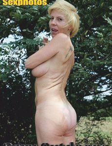 Sexy Outdoor MILFs Adult Photo Magazine – August 2020